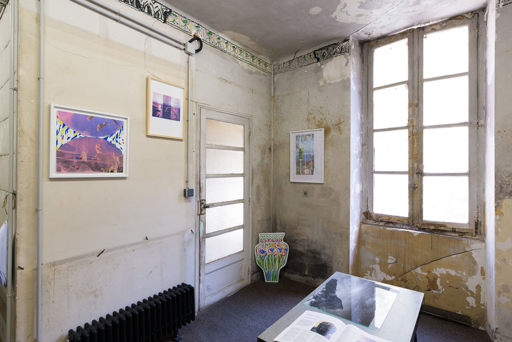 "Vue de l'exposition ""Villa Santo Sospir"", par Emmanuelle Oddo chez Jogging Marseille, août 2017"