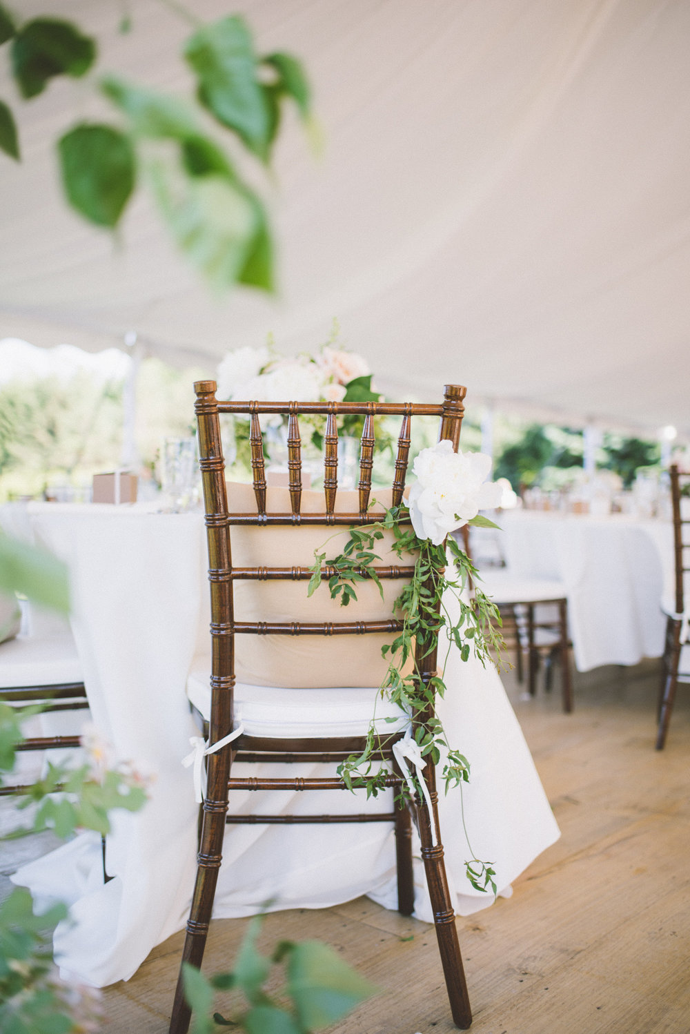amanda cowley events niagara wedding planner kurtz orchard gracewood estate blush peony greenery centerpieces natural vintage mirrors chiavari chairs