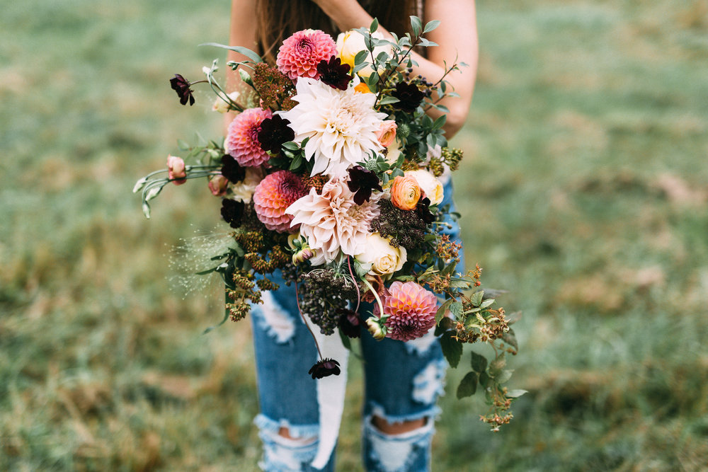 amanda cowley events niagara wedding planner free spirit styling bohemian style bouquet