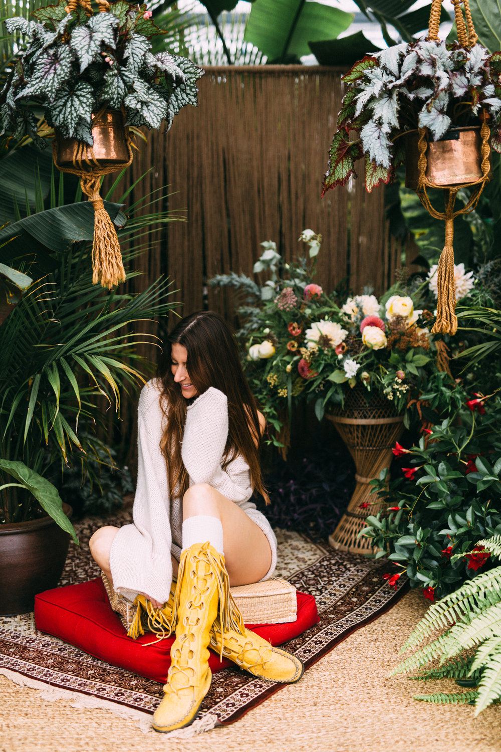 amanda cowley events niagara wedding planner free spirit styling bohemian style hanging macrame planter knee high moccasin boots