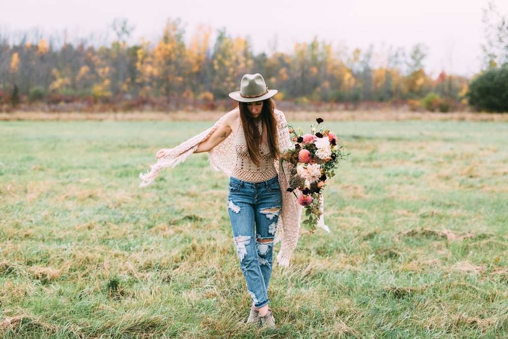 amanda cowley events niagara wedding planner free spirit styling bohemian style field