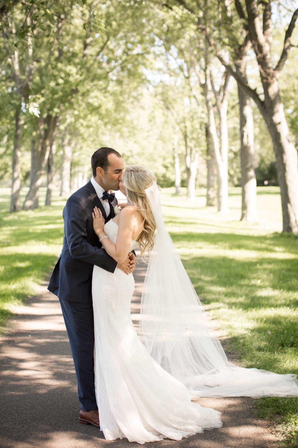 Niagara Wedding Planner Amanda Cowley Events First Look Kiss