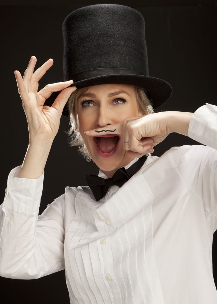 JANE_LYNCH_TOPHAT.jpg