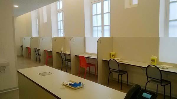 Inside the drug consumption room in Paris