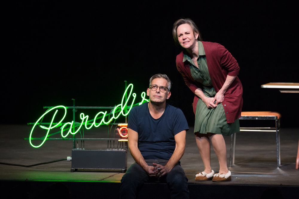 Joe-Mantello-and-Sally-Field-in-The-Glass-Menagerie-Photo-by-Julieta-Cervantes-2.jpg
