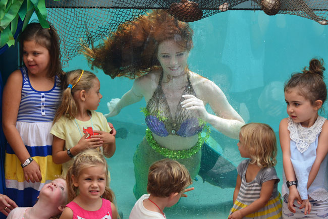 Catalina-Mermaid-with-Kids-Underwater.jpg