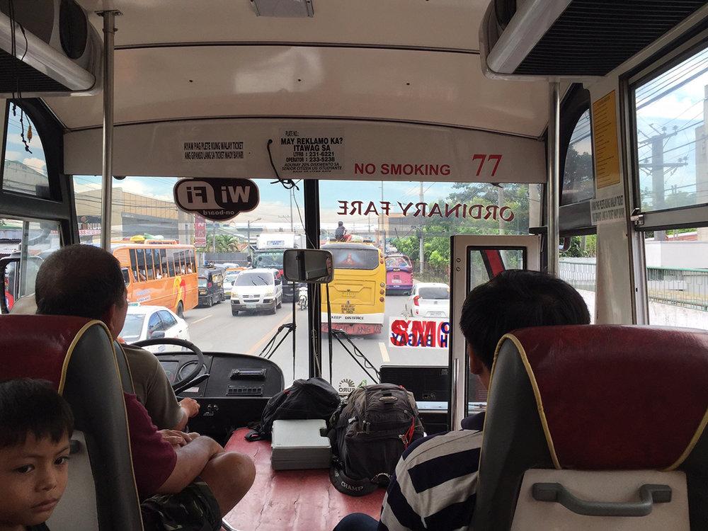 resa med buss i filippinerna