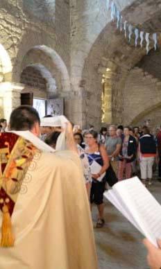 Célébration au baptistère du Puy en Velay