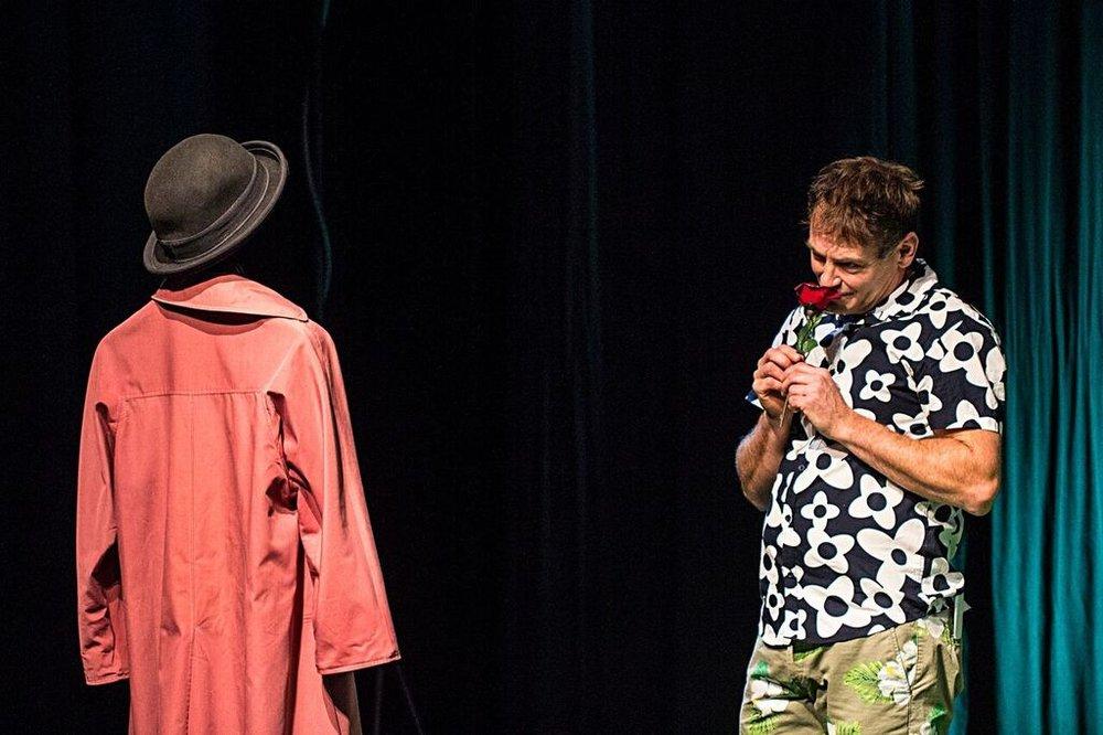 Jacky og G med rose.jpeg