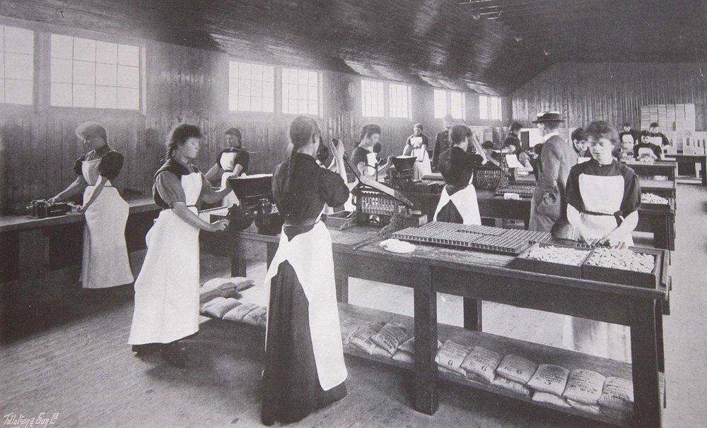 Women at work in the cartridge huts