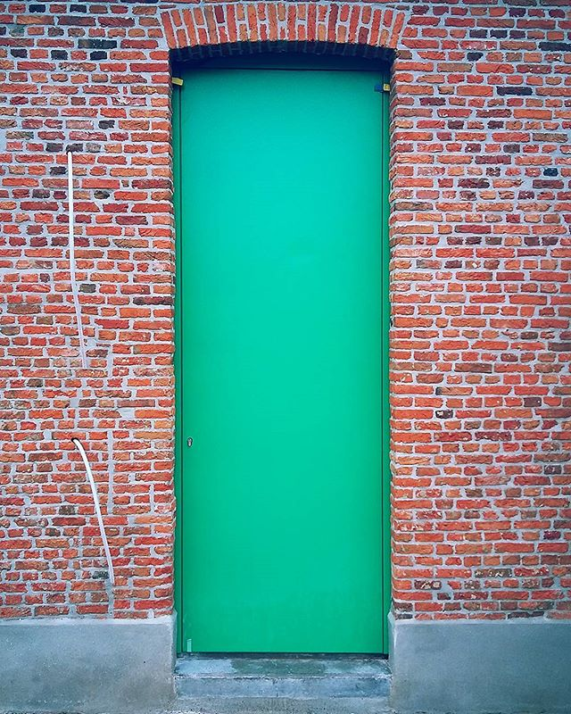 Green is the new black #komaanarchitecten#renovatie#Gasthuishoeve#stuyts_nv