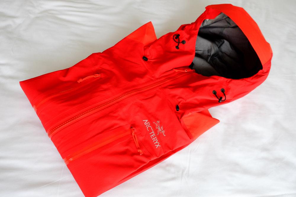 Arcteryx Alpha AR hardshell/rain jacket