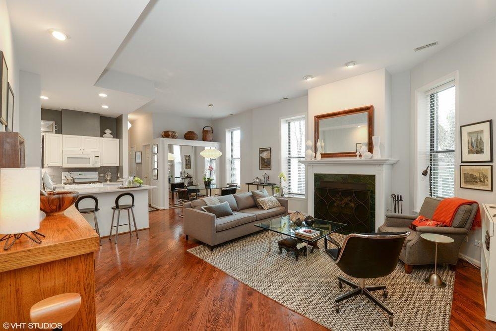02_1510 Dearborn 204 Living Room.jpg