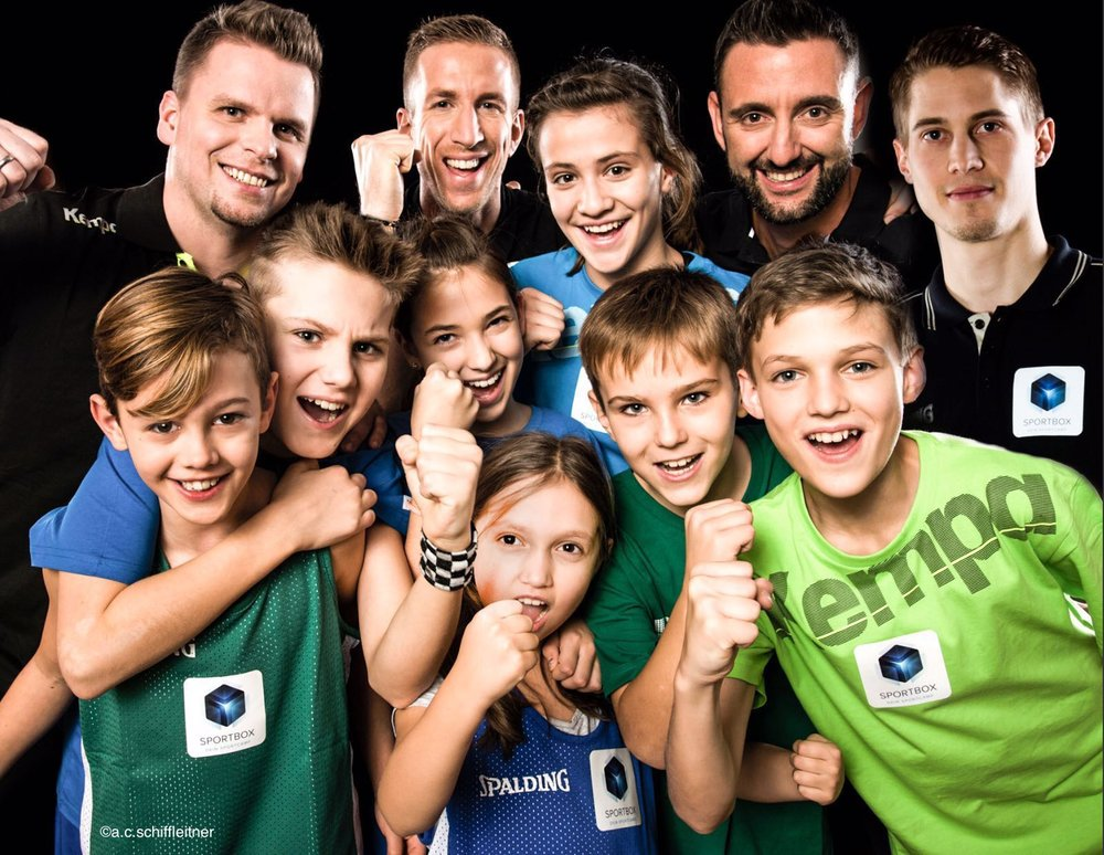 SPORTBOX_Gruppenfoto Testimonials Janko Doppler Wilczynski Klepeisz & Kids_Foto ©a.c.schiffleitner.JPG