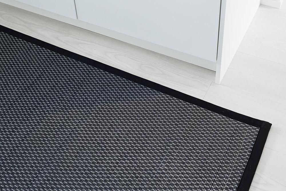 Kingsport black 79 full rug.jpg