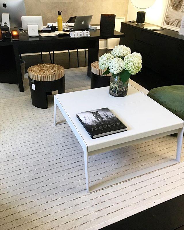 Our Roxbury rug lit up this office beautifully! Design magic @misenscenehome . . . . #scandinavianrug #scandinaviandesign #scandinavianstyle #rug #scandinavian #scandinavianhome #sustainabledesign #sustainableliving #rugs #customrugs #ruglove #carpet #modernrugs #ihavethisthingwithrugs #homedecor #ecofriendly #luxurydesign #luxurydecor #myhome #springcollection #design #designer #broadloom #walltowall #nantucketstyle #hamptonsstyle