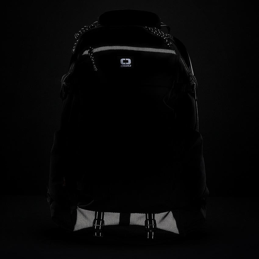 ogio-convoy-525-backpack-04.jpg