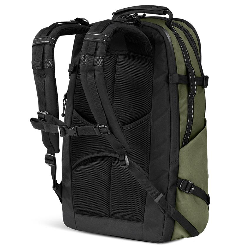 ogio-convoy-525-backpack-03.jpg