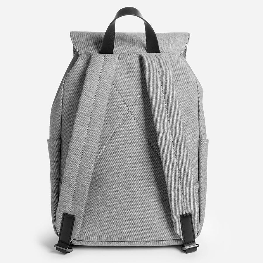 everlane-modern-snap-backpack-03.jpg