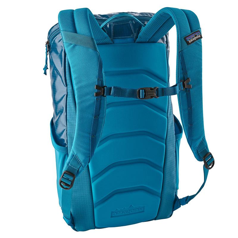 Patagonia-black-hole-backpack-25L-04.jpg