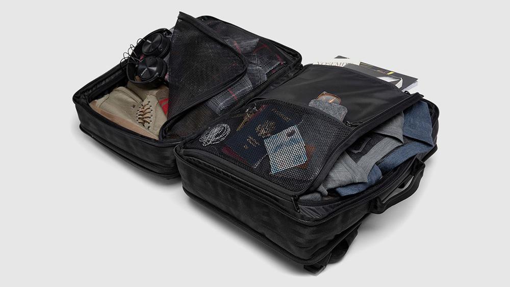 chrome-macheto-travel-backpack-02.jpg