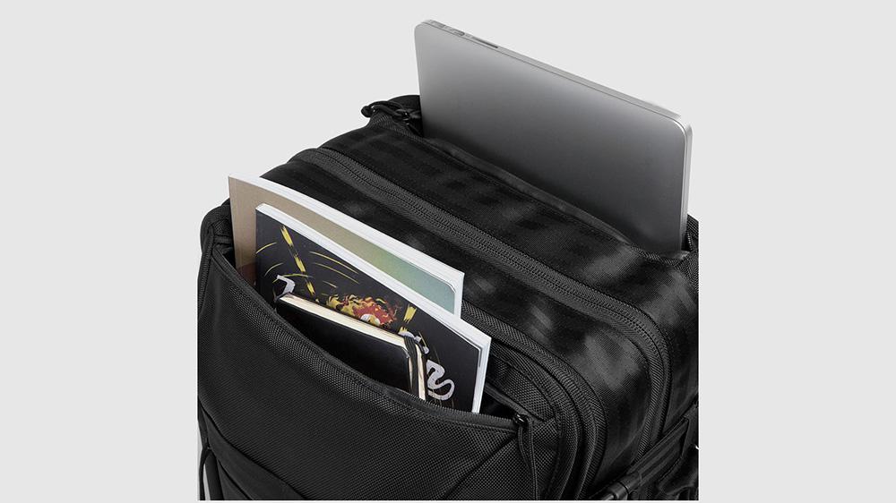 chrome-macheto-travel-backpack-05.jpg