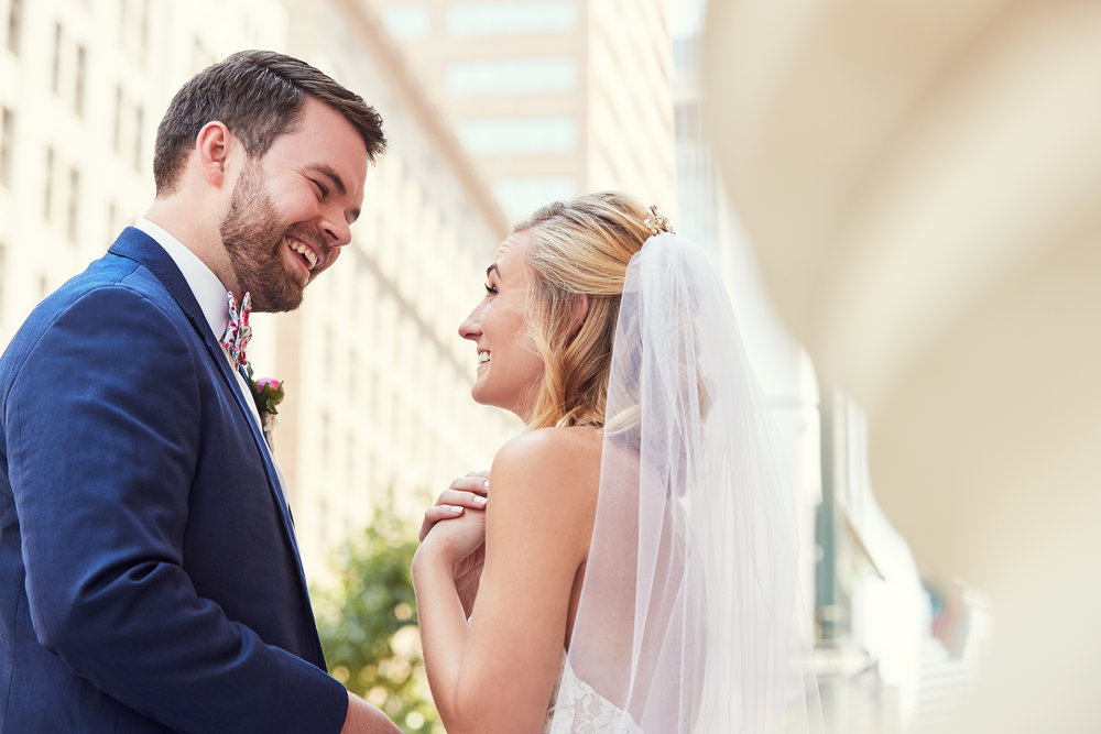 SPACE Gallery Wedding Denver - Art Gallery Wedding | Santa Fe District | Large Bridal Party | Colorful Wedding Photos | Floral Bowties | Umbrellas | Prisma Events | Outdoor Ceremony
