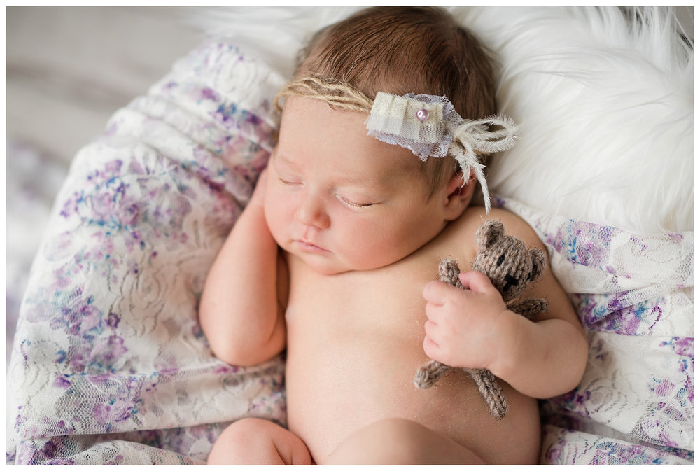 Newborn-Photographer-Sweet-Light-Portraits09.jpg