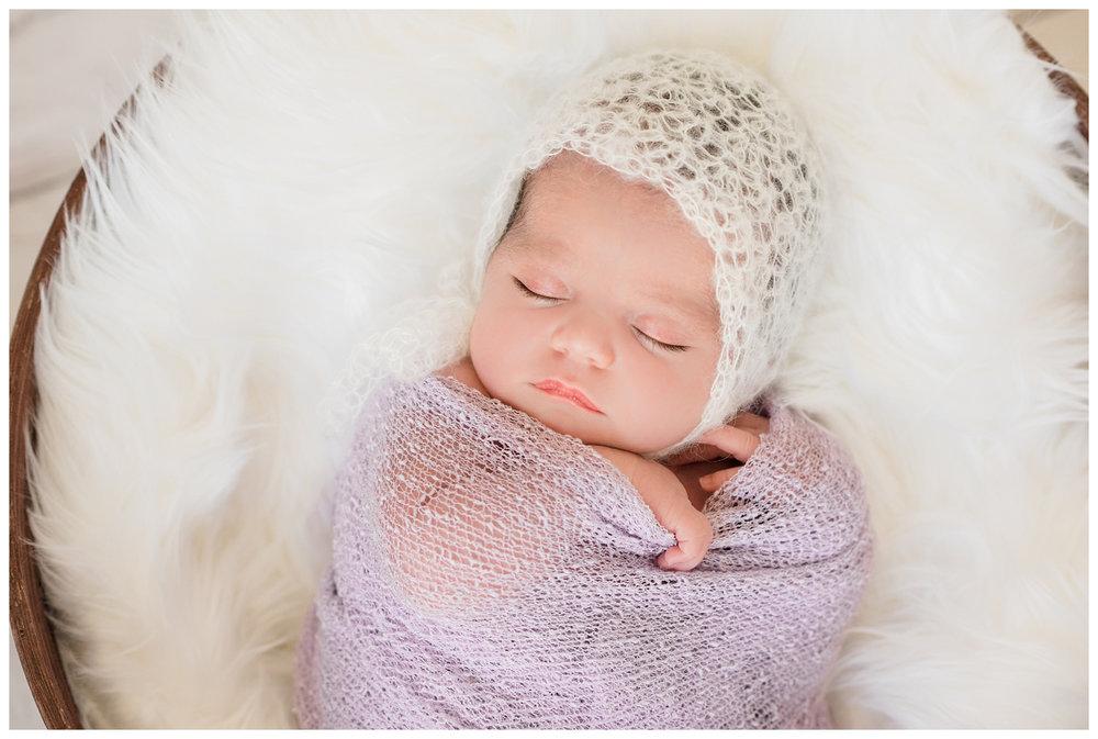 Newborn-Photographer-Sweet-Light-Portraits25.jpg