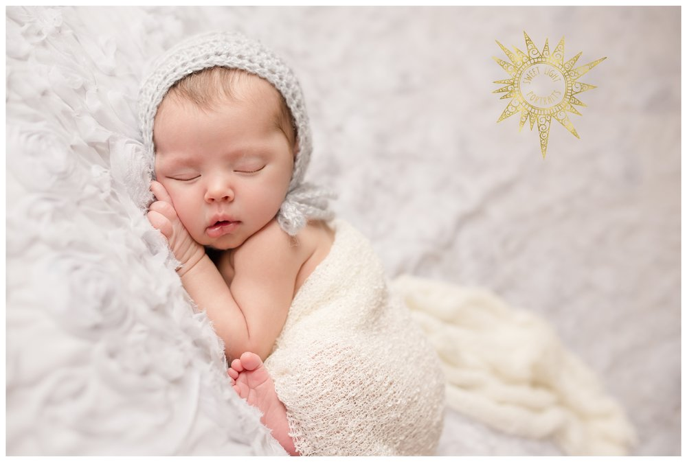 Newborn-Photos-Sweet-Light-Portraits36.jpg