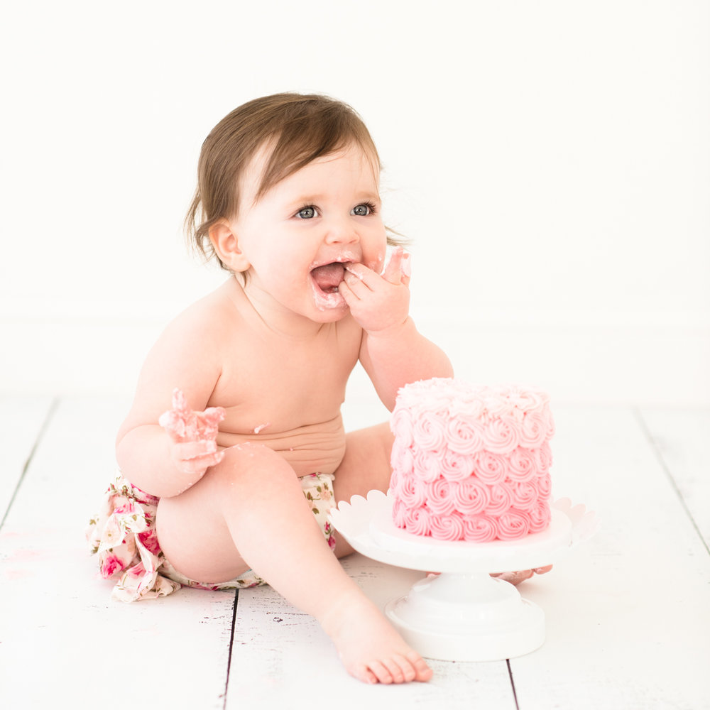 Create lasting memories of your baby's first year with a cake smash session to mark the first birthday.