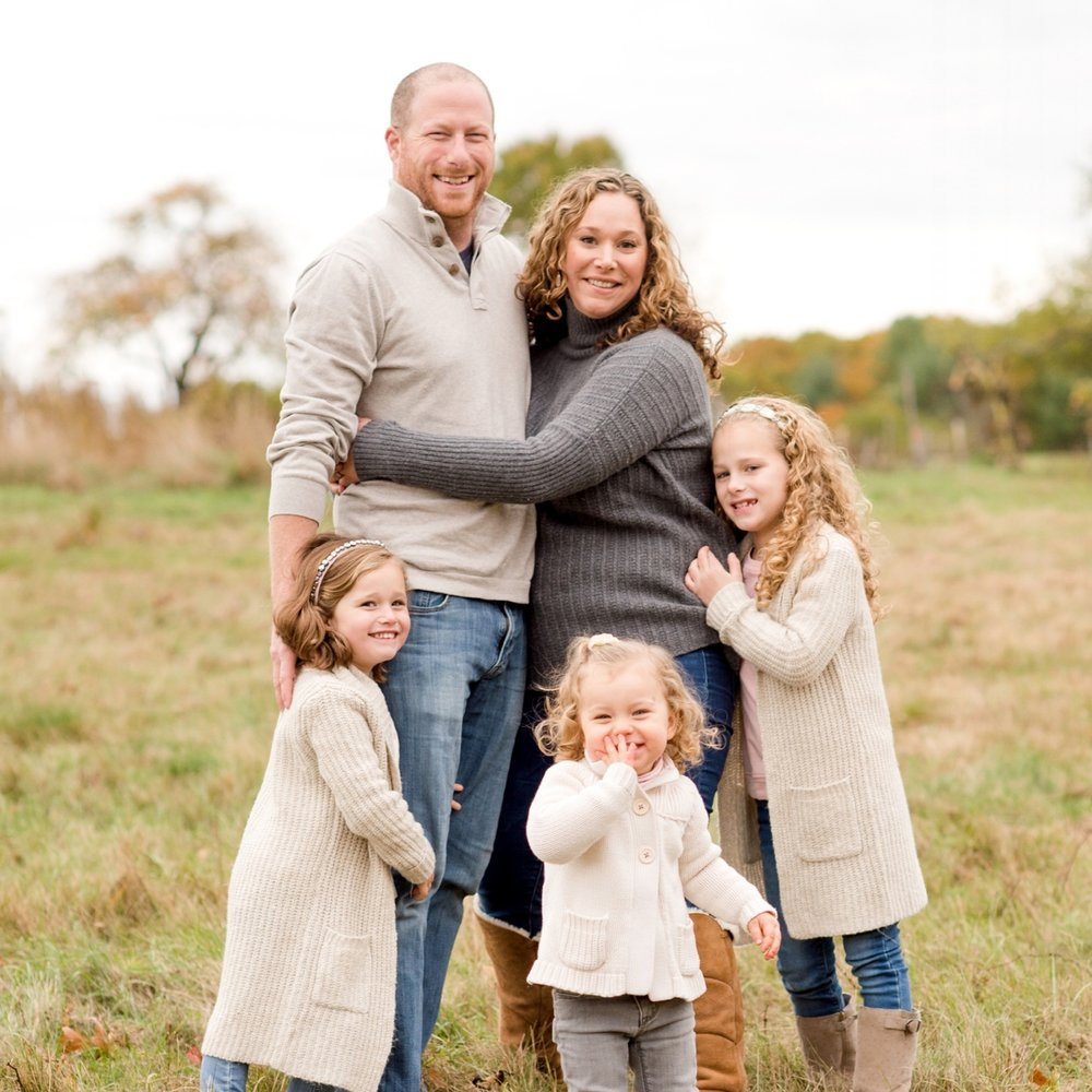 Sweet Light Portraits offers fun & affordable fall family sessions featuring your children.
