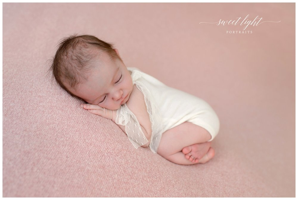 Kittery maine and portsmouth nh newborn baby photographer specializing in natural light newborn photography