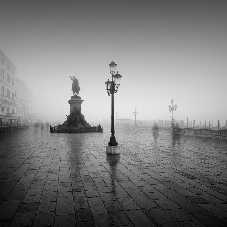 Vittorio Emanuele II nella nebbia