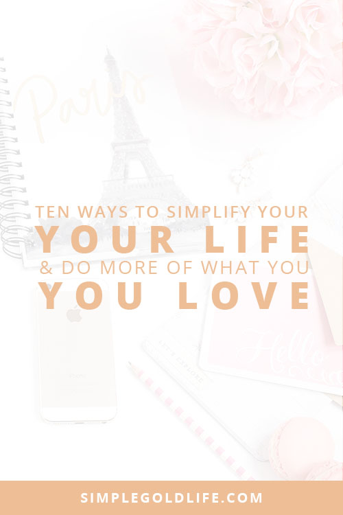 Today we have so many choices, but sometimes too many choices can be burdensome. Use these tips to simplify your every day to do more of what you love. Read more at SimpleGoldLife.com - minimalism, paradox of choice, reduce choice, live with less, morning routine