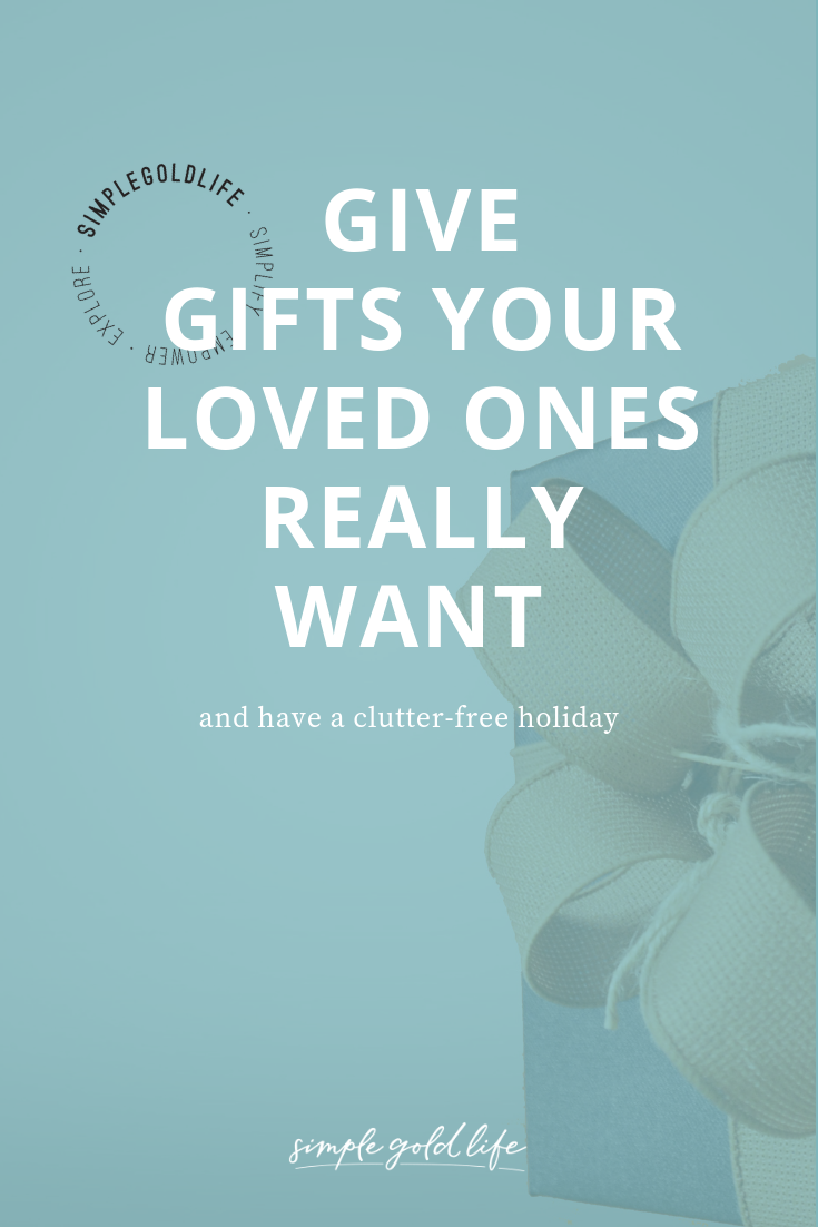 Christmas is coming! But if you're trying to declutter your house, this might make you feel more anxious than happy. Why? Because it's more stuff taking over your home. Try these tips from SimpleGoldLife to have a clutter free holiday!