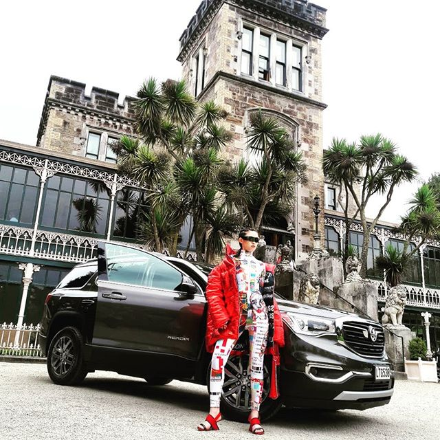 It's photoshoot day with the #iDemerging designers for the Holden Acadia Arrive in Style Award. Swipe to see a few behind-the-scenes snaps 📸  @holden.nz #arrive #holdenacadia #idfashionwk #idfashion #arriveinstyle #dunnerstunner @dunedinnz @larnachcastle