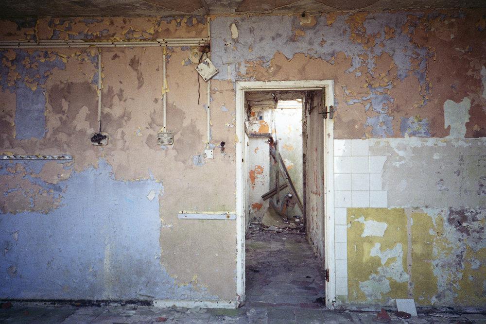 abandoned1.jpg