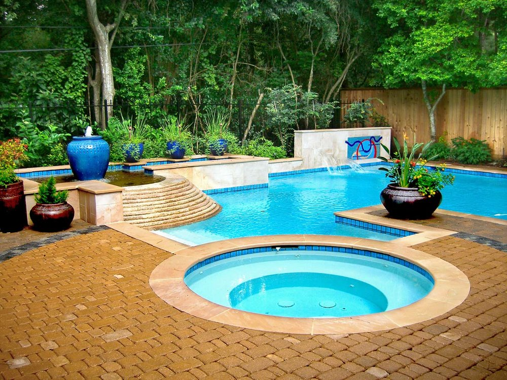 Woodlands Custom Pool Builder and Design 1.jpg