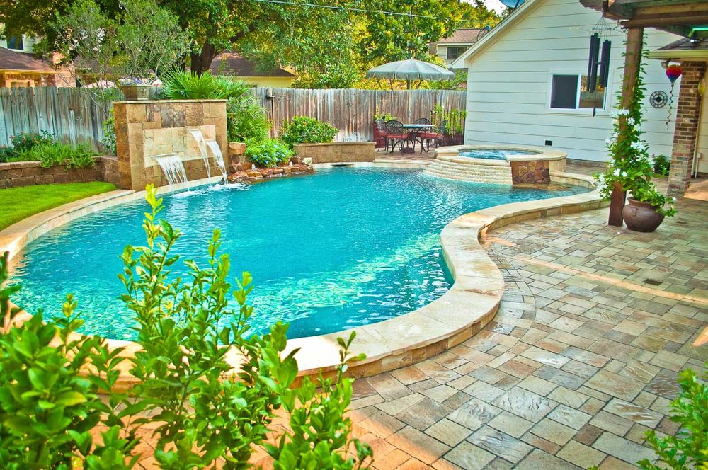 Woodlands Custom Pool Builder and Design 3.jpg