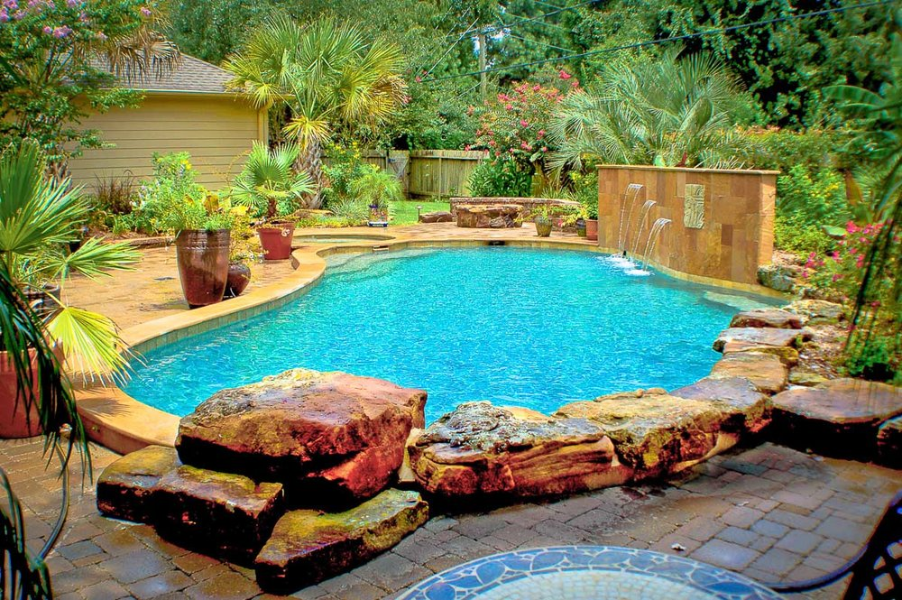 Woodlands Custom Pool Builder and Design 6.jpg