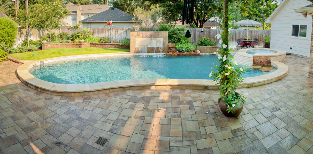 Woodlands Custom Pool Builder and Design 5.jpg