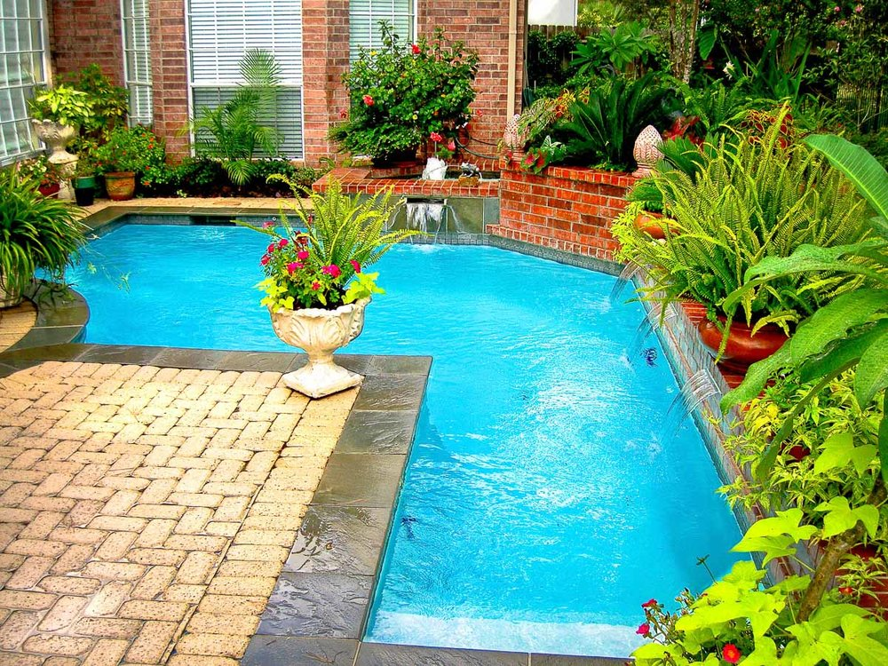 Woodlands Custom Pool Builder and Design 7.jpg