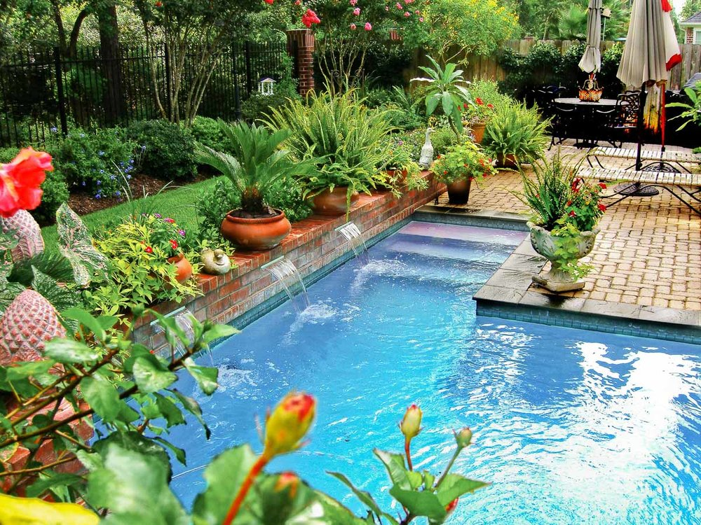 Woodlands Custom Pool Builder and Design 8.jpg