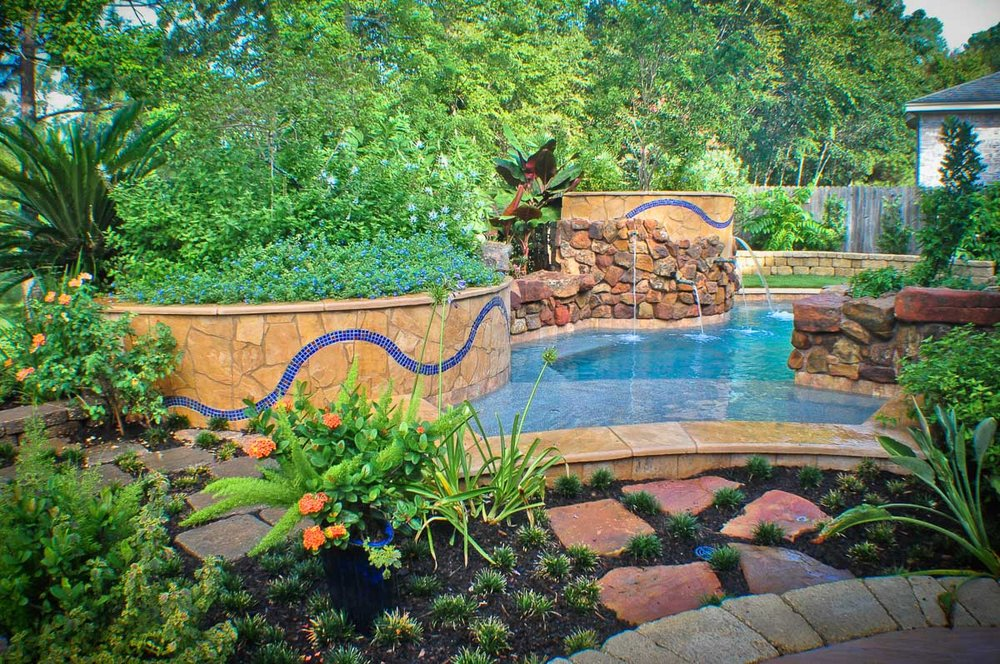 Woodlands Custom Pool Builder and Design 9.jpg