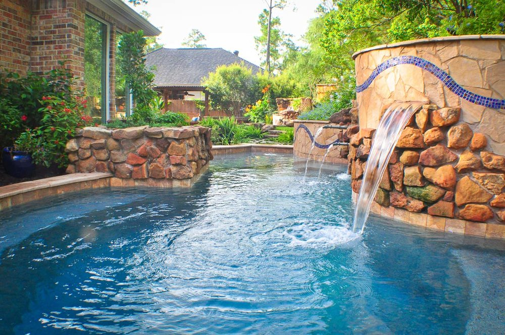 Woodlands Custom Pool Builder and Design 10.jpg