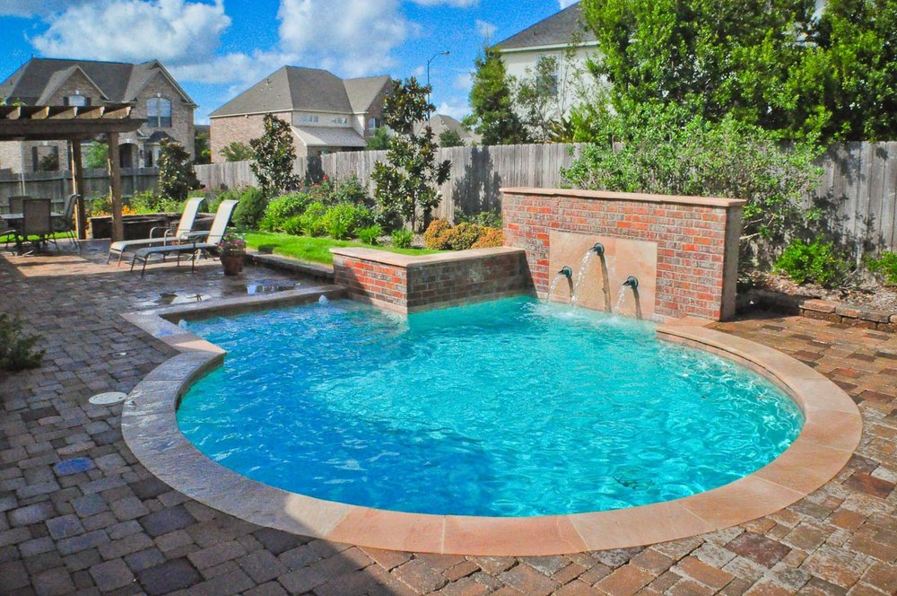 Woodlands Custom Pool Builder and Design 12.jpg