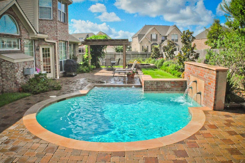 Woodlands Custom Pool Builder and Design 13.jpg