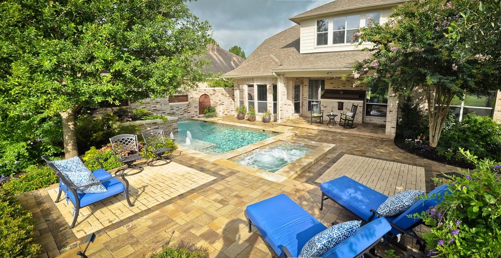 Woodlands Custom Pool Builder and Design 15.jpg