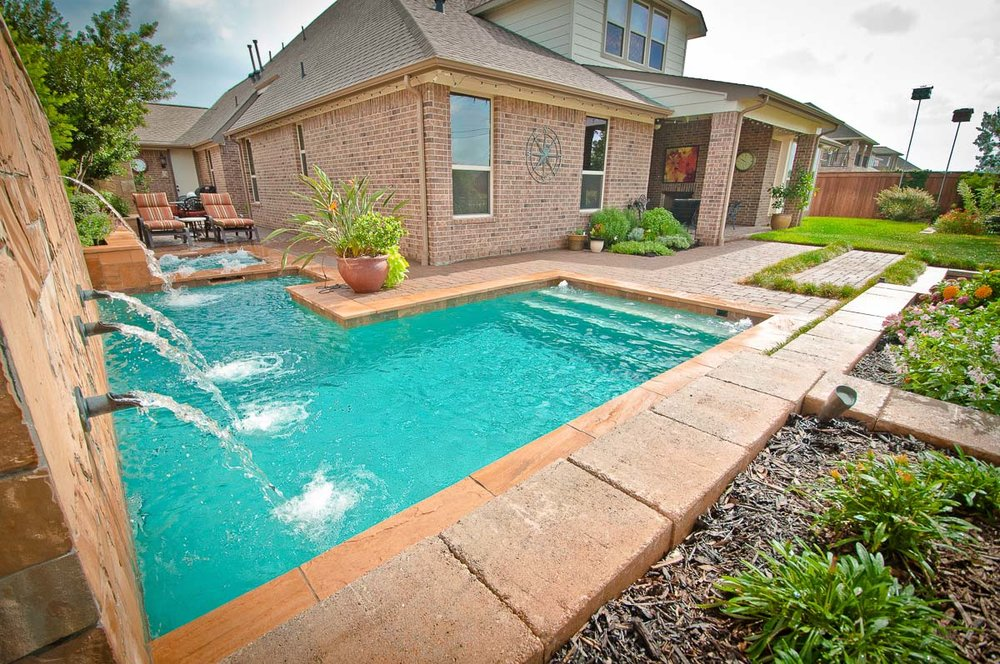 Woodlands Custom Pool Builder and Design 18.jpg